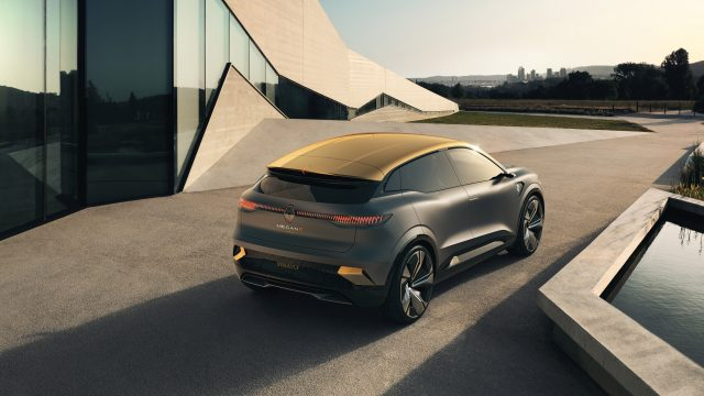 Renault MEGANE eVISION driekwart achter