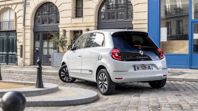 Renault TWINGO Electric voor en achter door de bocht