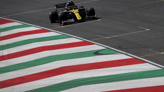Esteban Ocon in zijn Formule 1 auto tijdens de Pirelli Grand Prix